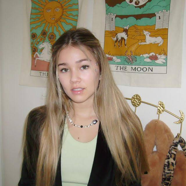 Brooklyn Rae Silzer 4