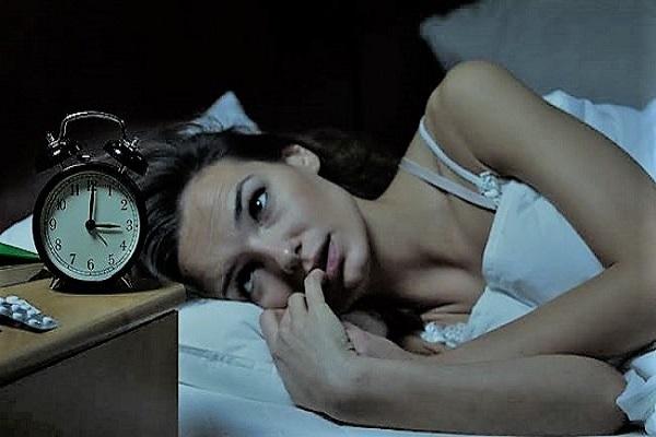 Uykusuzluğun Nedenleri, Belirtileri ve Uykusuzlukla Başa Çıkma Yolları