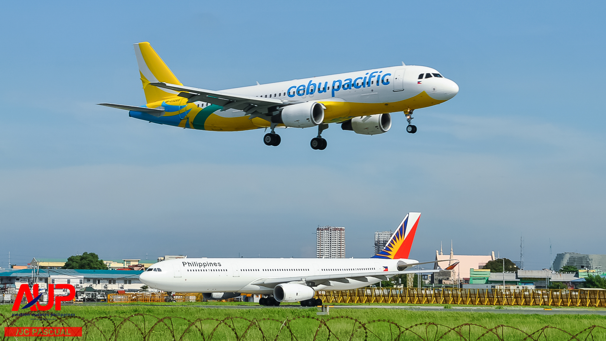 Cebu Pacific A320 and PAL A330 in Manila
