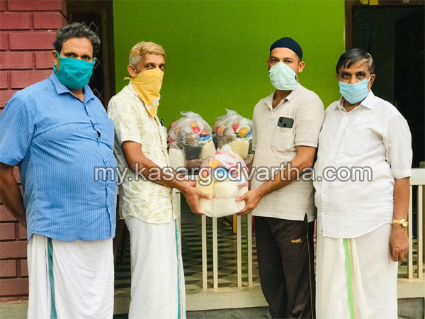 Kerala, News, Ummul-Quvain KMCC distribute kit
