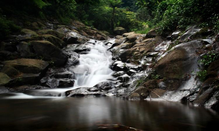 8 Curug (Air Terjun) di Purwakarta yang Lagi Hits Dikunjungi