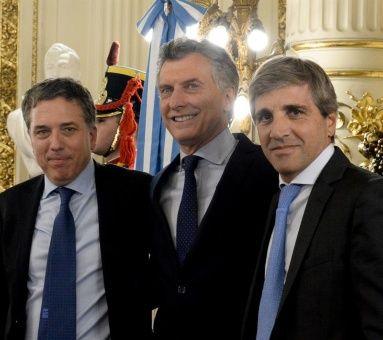 Argentina frena la contratación nuevos empleados públicos