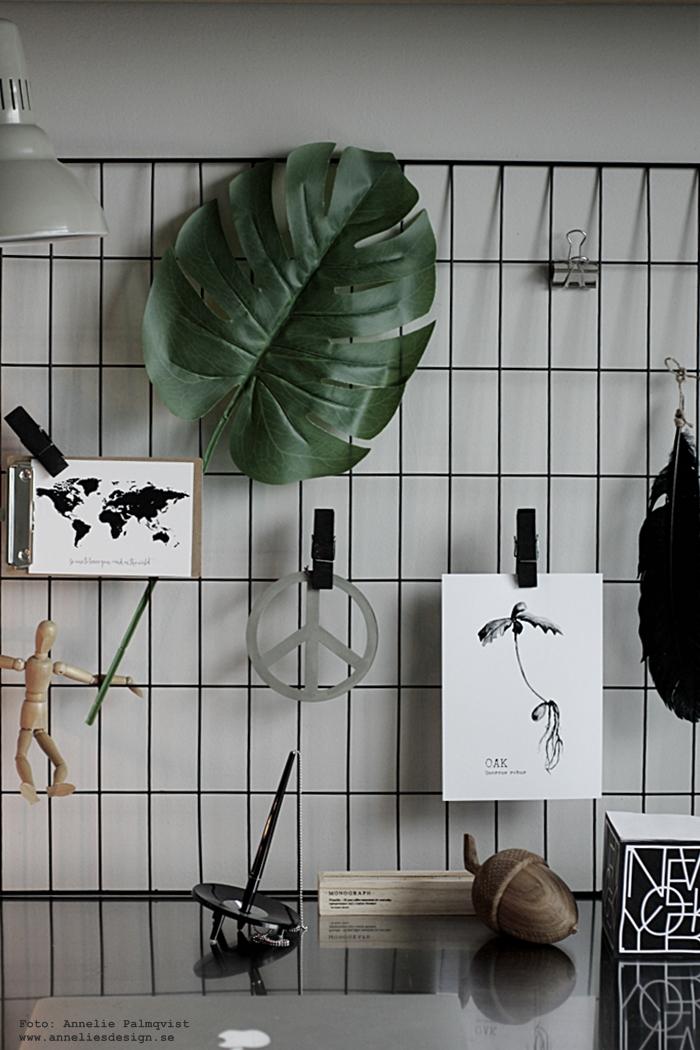 annelies design, webbutik, webshop, nätbutik, inredning, oak, ekollon, konsttryck, tavla, tavlor, vykort, världskarta, karta, galler, nät, clips, klämmor, träklämmor, memoblock, new york, svart och vitt, svartvit, svartvita, box med pennor, monograph, house doctor,