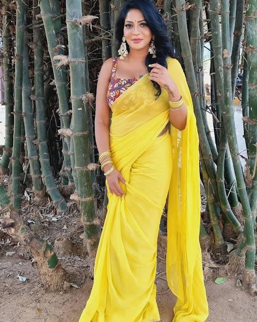 Reshma Pasupuleti Hot In Yellow Saree Photos Navel Queens