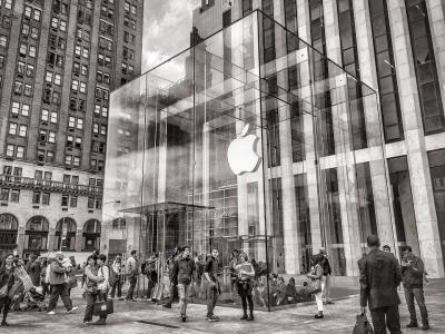ऑफिस लौटने की बात पर एप्पल के कर्मचारियों ने रखी ये मांग