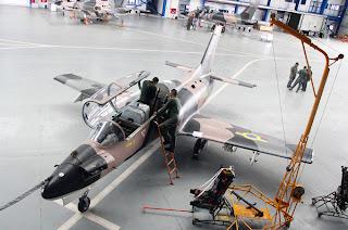 Centro de mantenimiento aeronáutico d eoccidente para K-8W