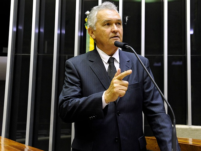 Deputado do RN critica o STF por acatar recurso do ex-presidiário Lula