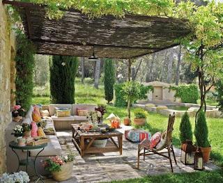 Hermosa terraza decorada