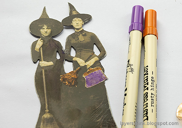 Layers of ink - Halloween Window Tutorial by Anna-Karin Evaldsson. Paper dolls by Tim Holtz.