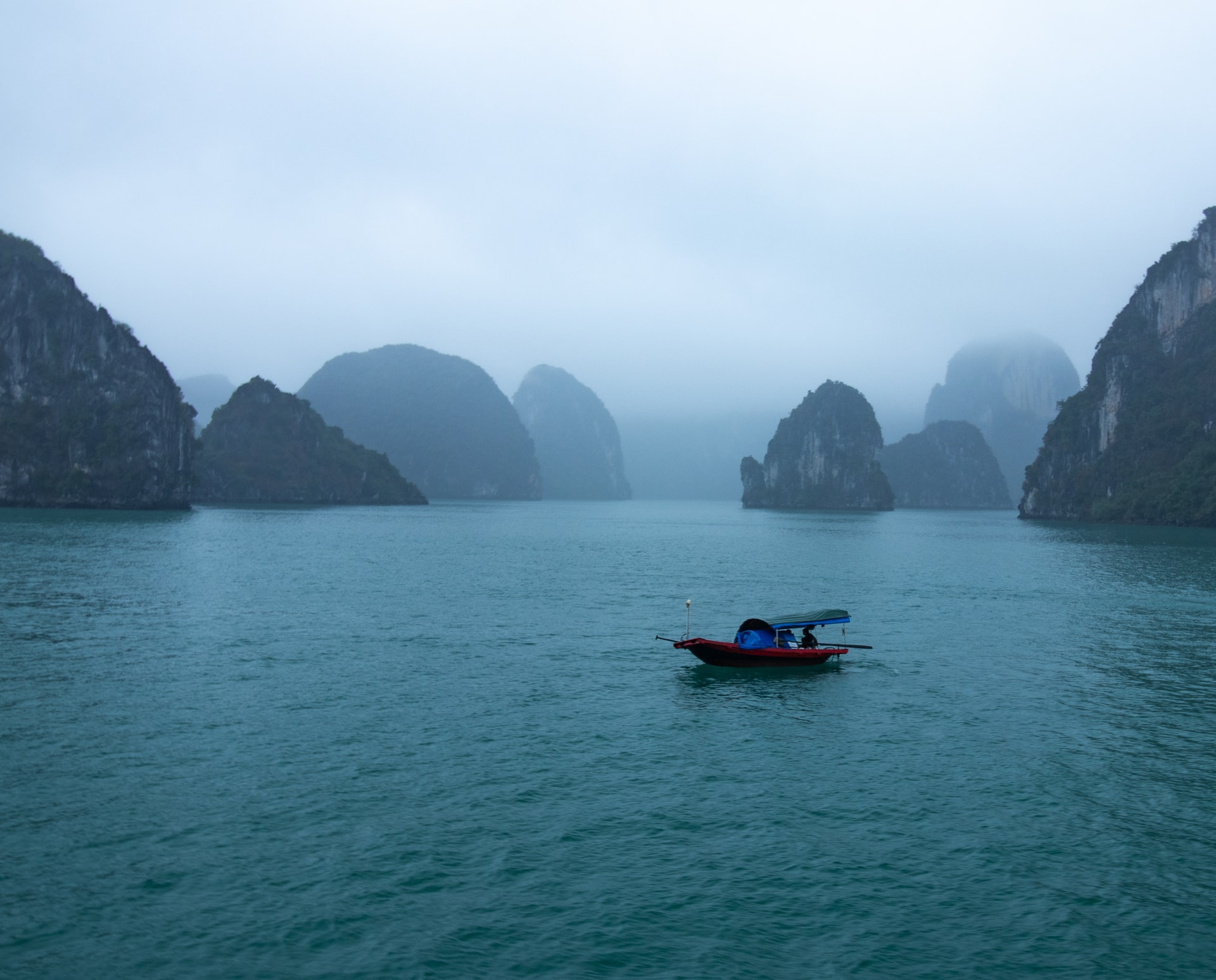 ha long bay facts