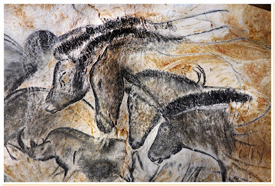 Dettaglio del pannello dei cavalli Grotta di Chauvet © Patrick Aventurier storia dell'arte rupestre preistoria paleolitico