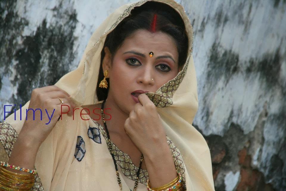 Katrina Kaif Sapna Sapu Dirty Pictures Gallery-2480