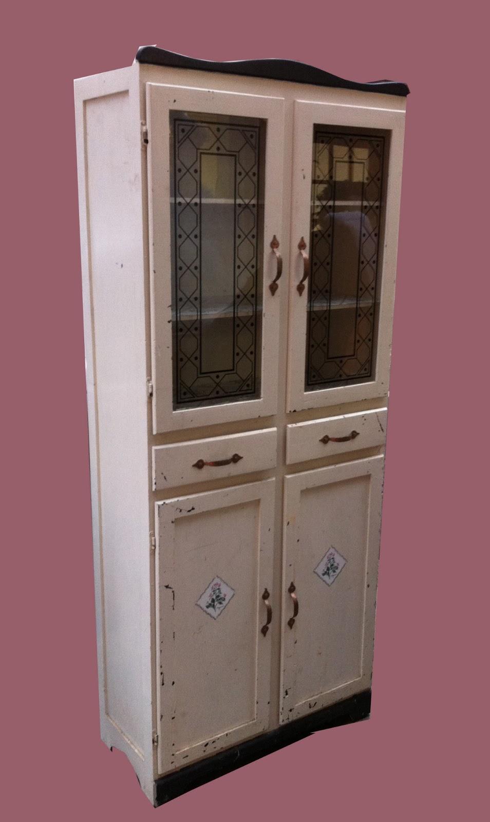 Uhuru Furniture  Collectibles Vintage Freestanding