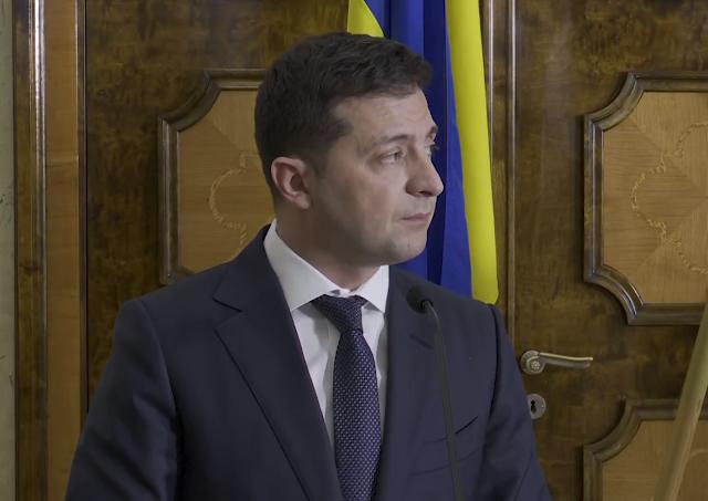 Зеленський підписав закон, який продовжує особливий статус Донбасу до кінця 2020 року