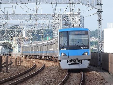 【ダイヤ改正で新設!】4000形の各駅停車 新宿行き