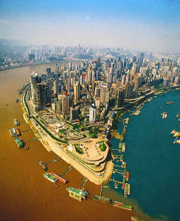 Confluence of the Jialing and Yangtze Rivers in Chongqing, China. - Here Are 12 Points In The World Where Major Bodies Of Water Join Together… And They're So Awesome.