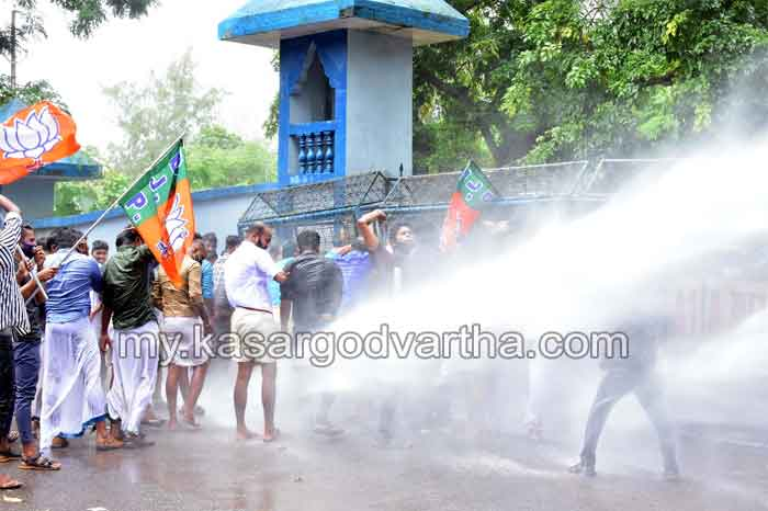 Complaint of police violence against Yuva Morcha March; District Vice President Anjujosti injured