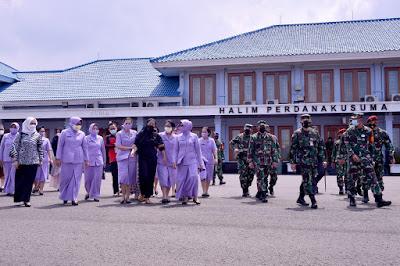 Jenazah Kopda Anumerta Dedy Irawan Dimakamkan di TMP Taman Bahagia Riau