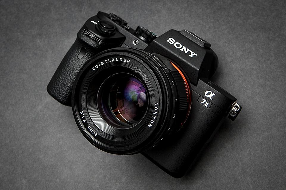 Объектив Voigtlander Nokton 40mm f/1.2 с камерой Sony A7 II