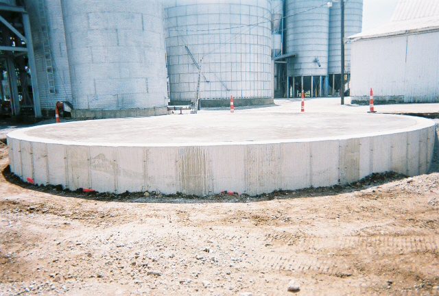Grain bin foundations