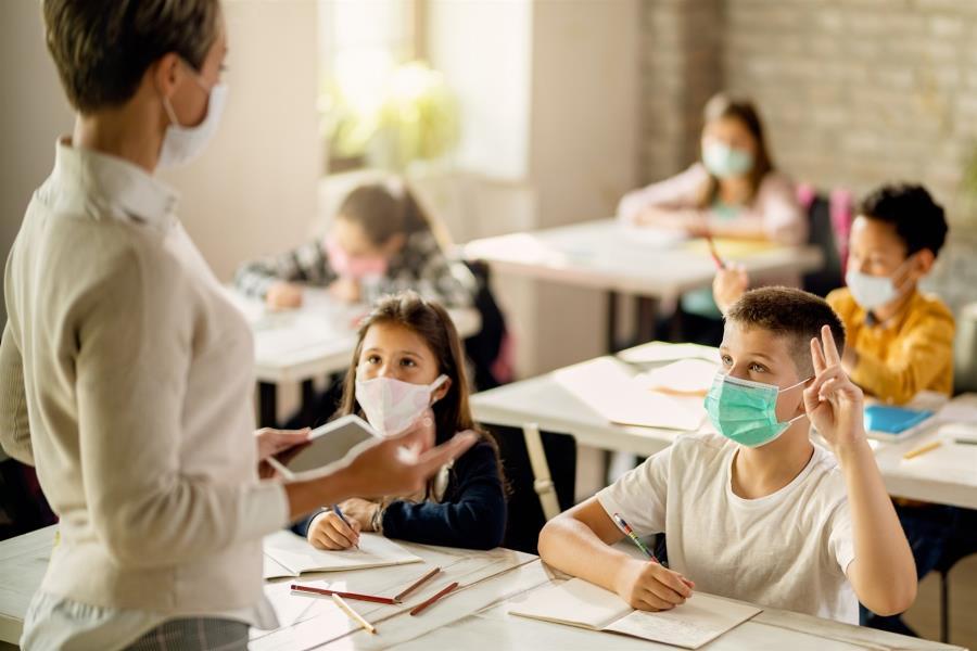 Το υπουργείο Παιδείας ανακοίνωσε την Τετάρτη το άνοιγμα των σχολείων σε όλη τη χώρα στις 13 Σεπτεμβρίου ενώ γνωστοποίησε και τις συνθήκες