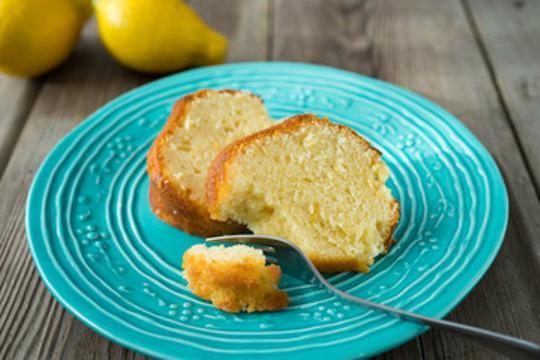 Bizcocho de limon con mantequilla
