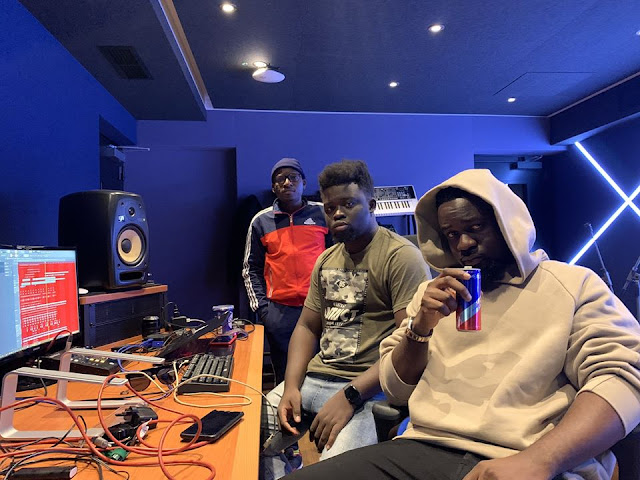 Moves !! Sarkodie Spotted working with MOG Beatz & Possigee at the Red Bull Studios, UK