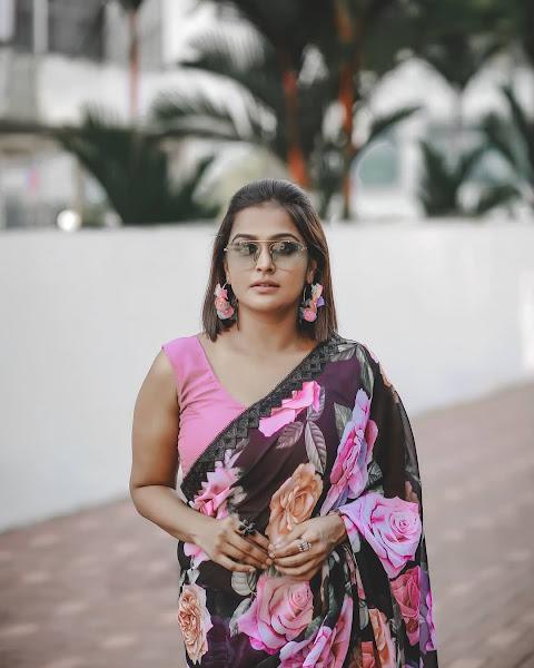 Actress Ramya Nambeesan Stylish saree Photoshoot