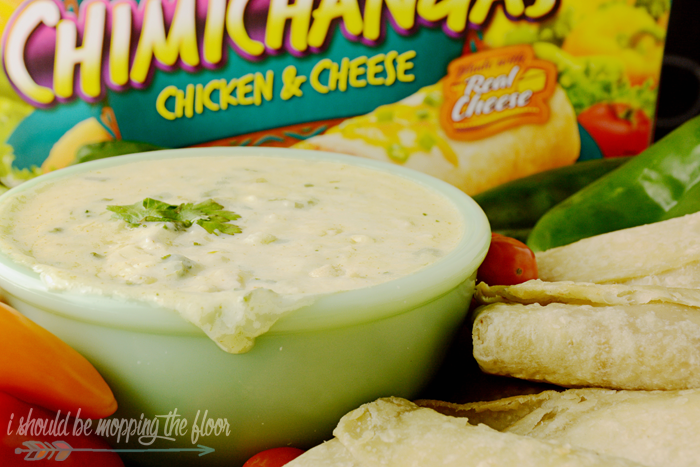 Queso Blanco Dip | This easy Tex-Mex dip is perfect to serve for any gathering or tailgate party.