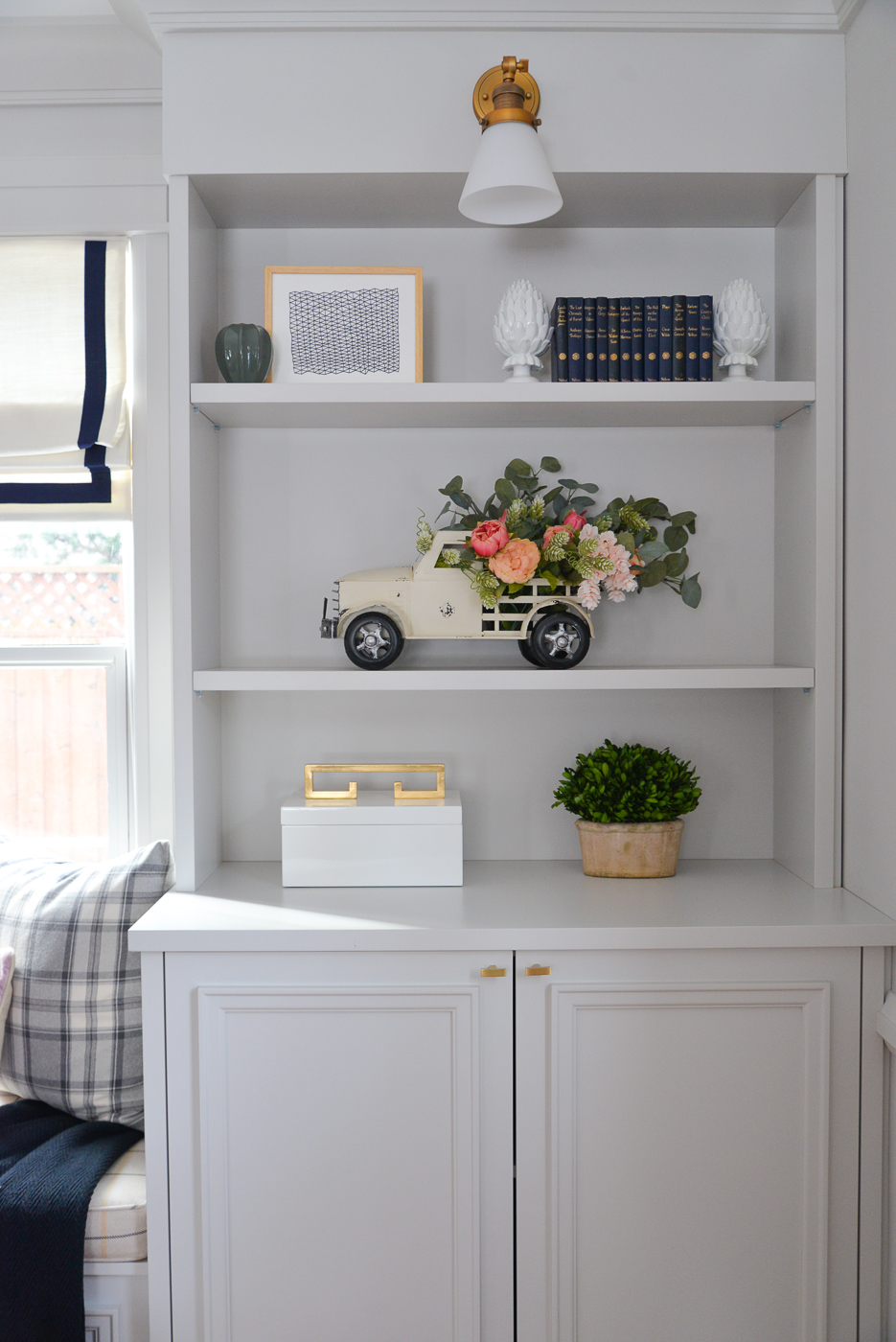 spring DIY, pickup truck planter, tips on arranging faux flowers, spring shelfie