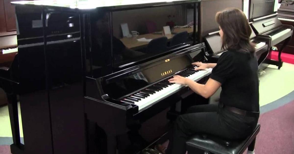 Búa đàn cũng giống như những Upright Piano khác, được làm từ bộ lông cừu, rất bền