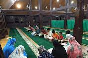 *Mahasiswa KKN UIN Suska Riau Adakan Magrib Mengaji di Desa Tanjung Berulak*