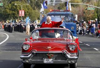 Laura's dad Tommy Lasorda in a classic car