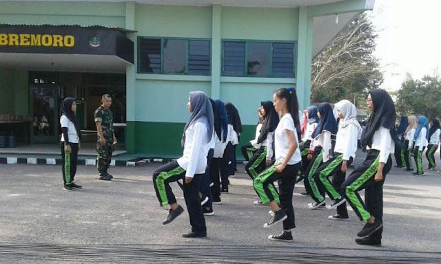 Siswa SMK Farmasi Surakarta Ikuti PBB Di Mojolaban