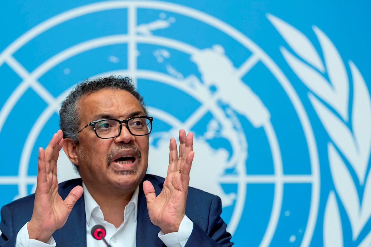 """""""El mundo puede controlar la pandemia en cuestión de meses"""": director general de la OMS"""