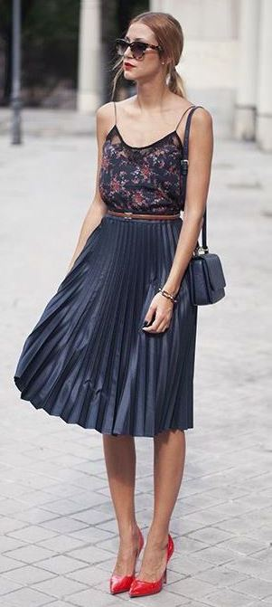 fashion trends / bag + red heels + skirt + top