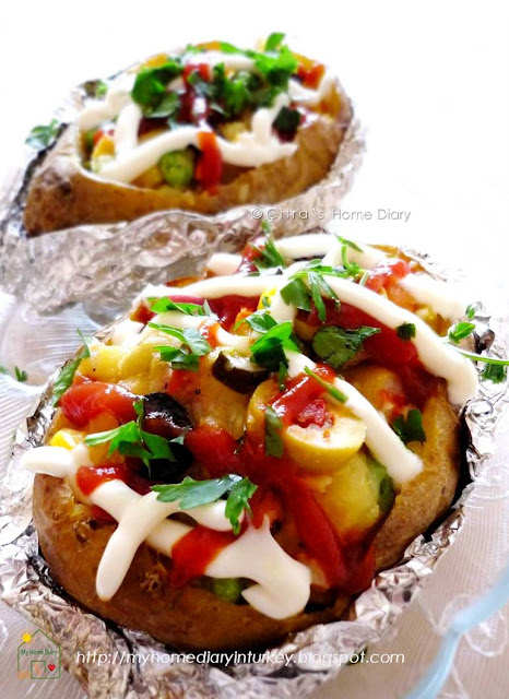 Kumpir / Turkish style Stuffed Baked Potato