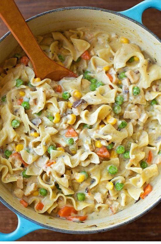 One-Pot Creamy Chicken Pot Pie Noodles