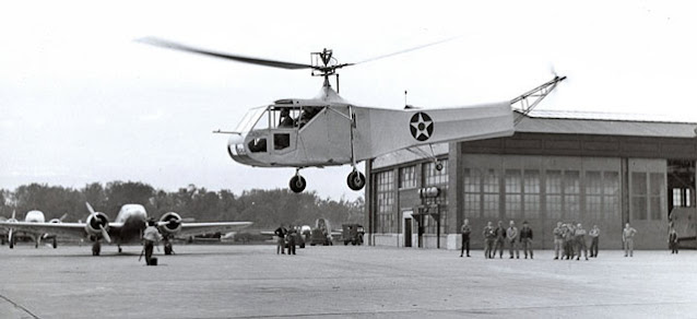 Vought-Sikorsky XR-4 arrives at Wright Field, 17 May 1942 worldwartwo.filminspector.com