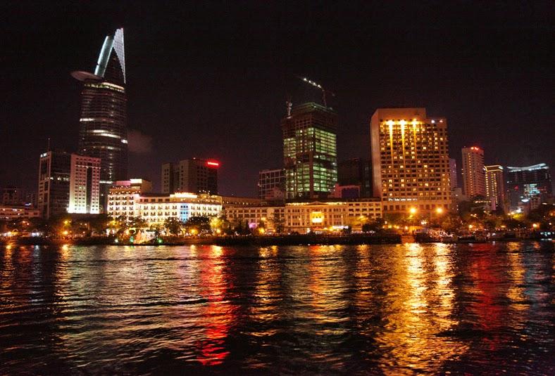 Vietnam Tour : Sai Gon River 7