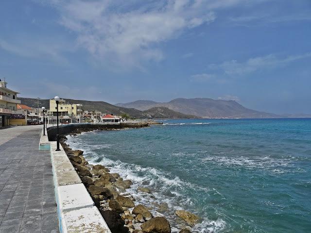 promenada wzdłuż morza w Kissamos, Kreta zachodnia