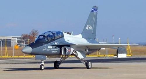 avión entrenador coreano T50A en estados unidos