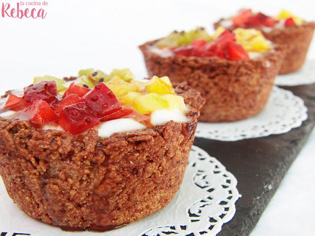 Tartaletas de teff con yogur y fruta