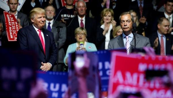 Farage, líder del brexit, hace campaña por Trump en EE.UU.
