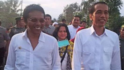 Adian Hanya Tersenyum Saat Ditanya soal Menteri