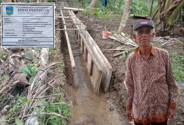 Diduga Tidak Pakai Pondasi, Pekerjaan Damparit di Desa Bojong Khawatir Tidak Tahan Lama