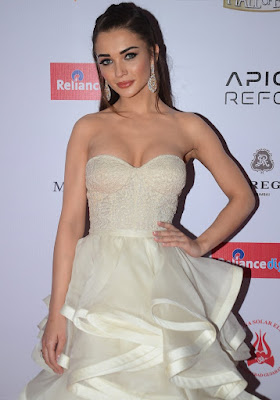 Amy Jackson Super Sexy Cleavage Show in White Dress At The Hello Hall of Fame Awards 2016