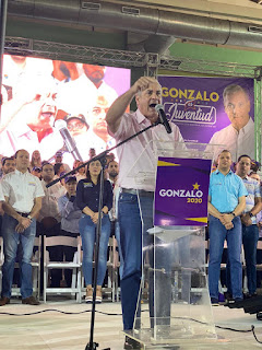 Juramentan miles de jóvenes en apoyo a Gonzalo Presidente