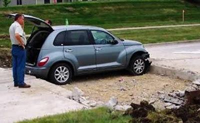 coche-atrapado-calzada