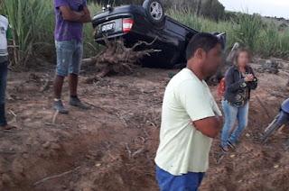 http://vnoticia.com.br/noticia/3911-idoso-ferido-apos-carro-capotar-entre-esquina-e-estreito-zona-rural-de-sfi